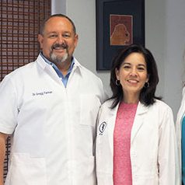 Drs. Gregg and Loretta Farmer of AMC of Austin